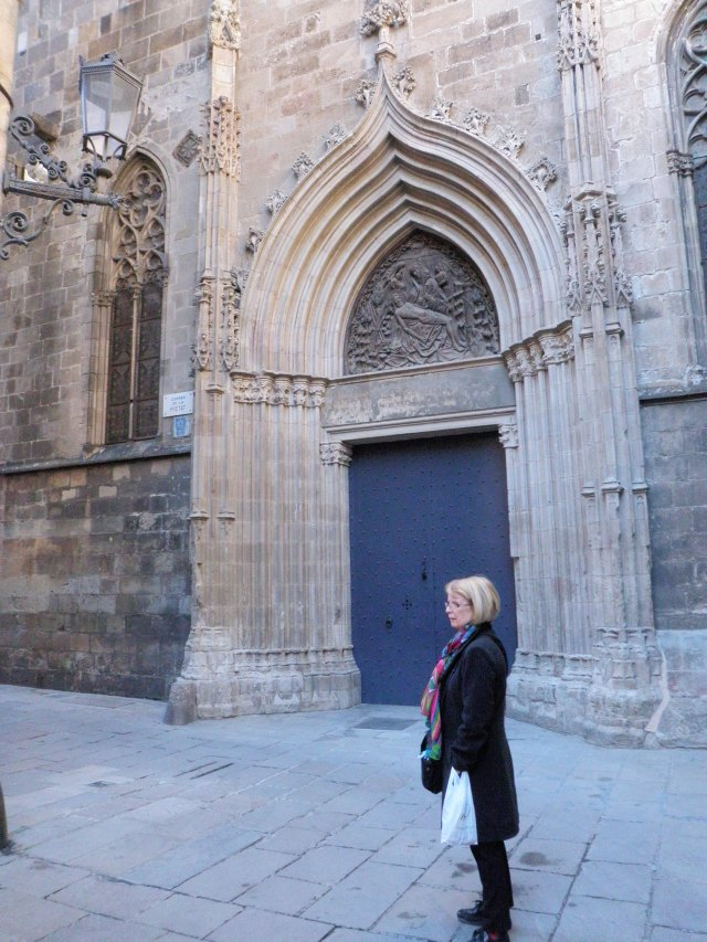 Mum, near a side entrance to La Catedral